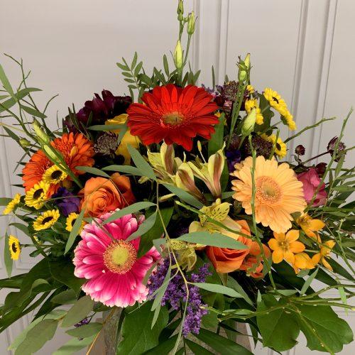 bunte Blumen als Strauß