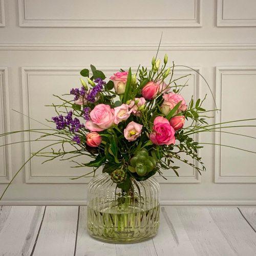 Blumenstrauß sweet flower in rosa natürlich locker gebunden