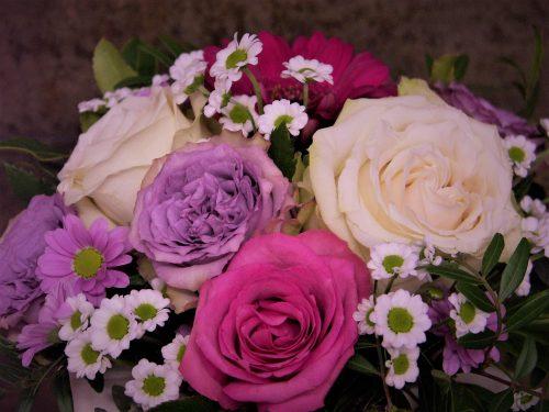 Strauß weiß, pink, rosa blumig fein in pink
