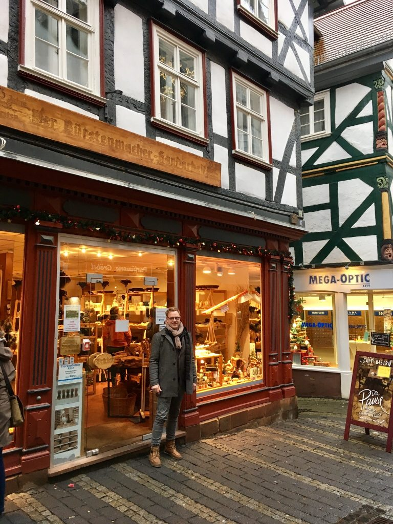 Marburg 2017 Das Geschäft des Uhropas