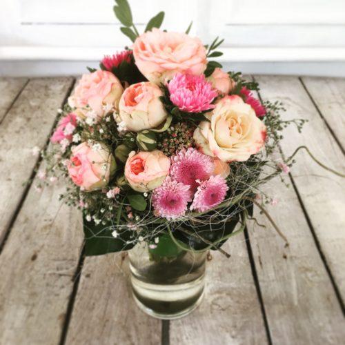 Strauß mit rosa Rosen