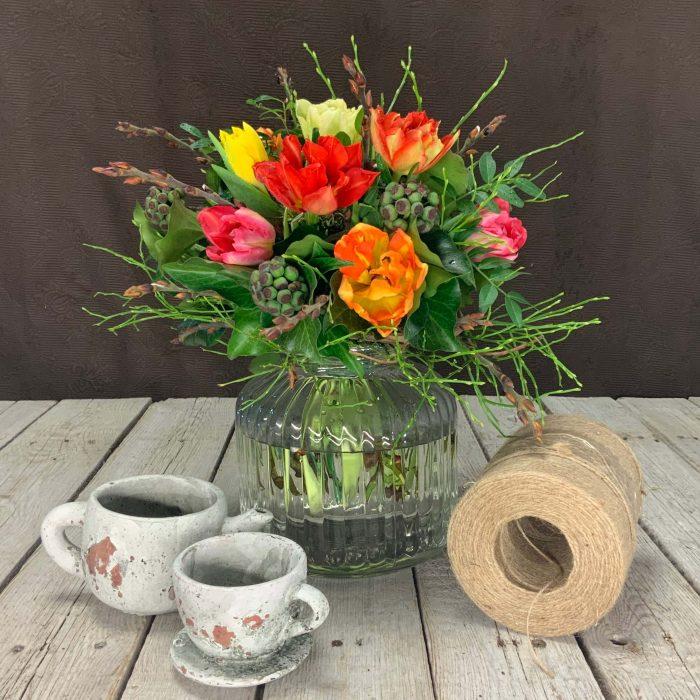 Blumenstrauß bunte Tulpen