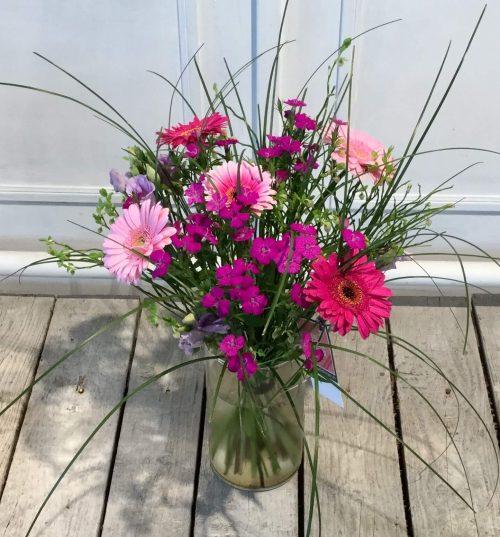 Sommerstrauß mit Rosen und Gerbera