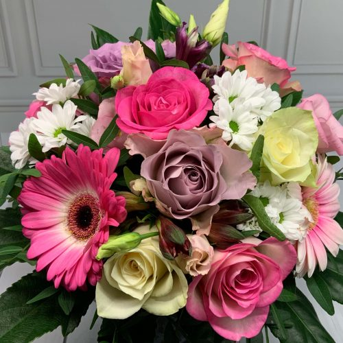 Blumenstrauß rosa weiß flieder Nahansicht