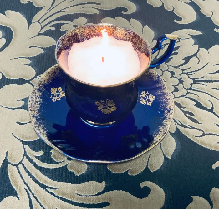 Kerzensand Wachsgranulat in Tasse
